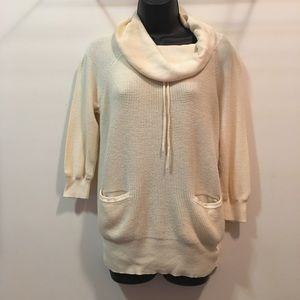 Ann Taylor LOFT small pocketed sweater hoodie